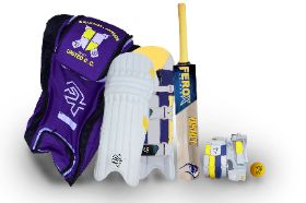 Ferox quality Junior size cricket gear for your son or daughter dressed in BSUCC Yellow and Blue colours. What's included: Gear is suited to our little Knights age range approx 9-13 yr olds.- Bat G3 size 5, - Pads (approx 32 - 35cm) , - Gloves (approx 17.5cm)